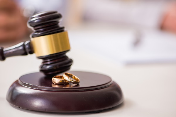How to Choose the Right Divorce Attorney